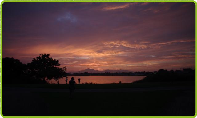 夕暮れの下江津湖